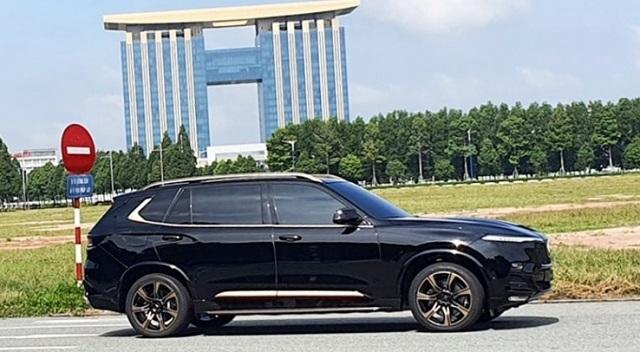 Than xe VinFast President V8 SUV - Bảng giá xe VinFast Chevrolet tháng 04/2021 cùng những ưu đãi mới nhất