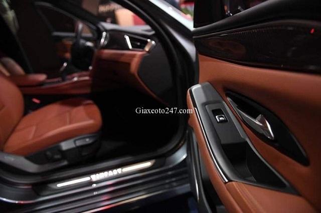 Cua xe ben phai xe Vinfast Lux A2.0 - Bảng giá, Thông số kỹ thuật xe VinFast Lux A2.0