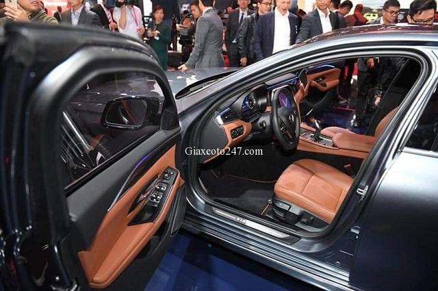 Cua xe ben trai xe Vinfast Lux A2.0 - Bảng giá, Thông số kỹ thuật xe VinFast Lux A2.0