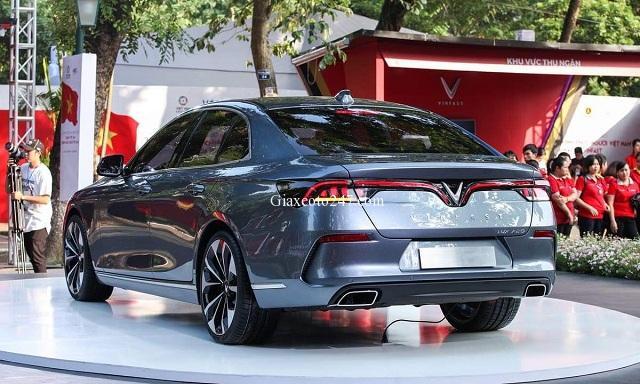 Phan duoi xe Vinfast Lux A2.0 - Bảng giá, Thông số kỹ thuật xe VinFast Lux A2.0