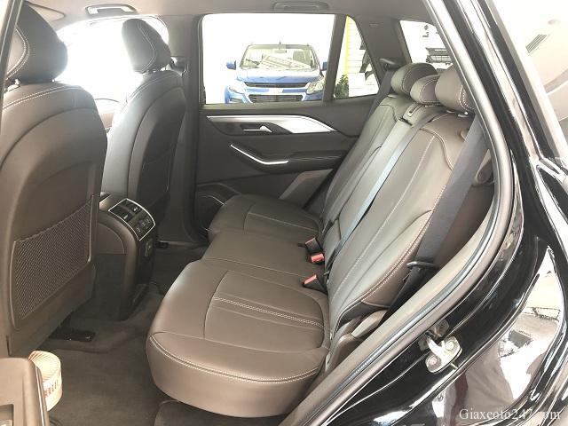Noi that Hang ghe thu 2 xe VinFast Lux SA20 1 - Bảng giá, Thông số kỹ thuật xe VinFast LUX SA 2.0