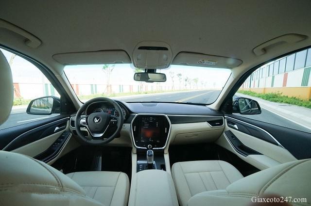 Noi that xe VinFast Lux SA20 a - Bảng giá, Thông số kỹ thuật xe VinFast LUX SA 2.0