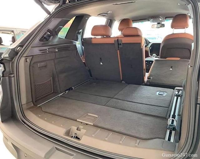 VinFast Lux SA khi mo rong khoang hanh ly - Bảng giá, Thông số kỹ thuật xe VinFast LUX SA 2.0