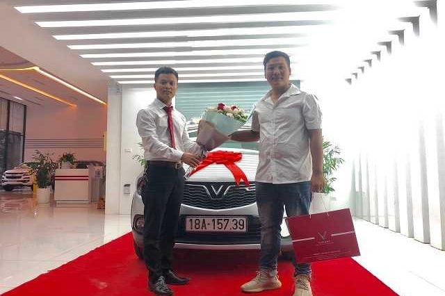 Giao xe VinFast 7 19 1a 640x426 - VinFast Chevrolet Thăng Long - 68 Trịnh Văn Bô