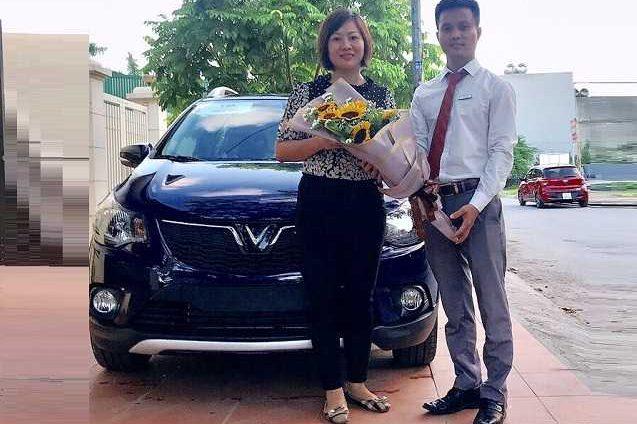 Giao xe VinFast 7 19 2a 637x424 - VinFast Chevrolet Thăng Long - 68 Trịnh Văn Bô