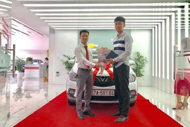 Giao xe VinFast 7 19 3a 640x426 - Bảng giá, Thông số kỹ thuật xe VinFast Fadil