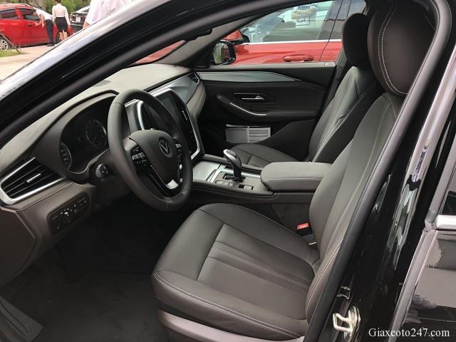 Noi that VinFast Lux A2.0 2 - Chi phí lăn bánh, chi phí ra biển VinFast Lux A 2.0 (sedan)