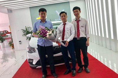 Giao xe VinFast Fadil 9 2019 3 400x266 - VinFast Chevrolet Thăng Long - 68 Trịnh Văn Bô