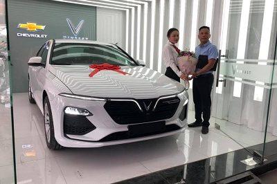 Giao xe Lux A 9 2019 2 400x266 - Bảng giá, Thông số kỹ thuật xe VinFast Fadil