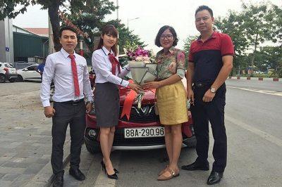 Giao xe VinFast Fadil 11 2019 a 400x266 - VinFast Chevrolet Thăng Long - 68 Trịnh Văn Bô