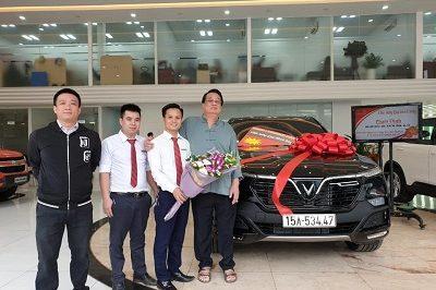 Giao xe VinFast LuxSA 11 19a 400x266 - VinFast Chevrolet Thăng Long - 68 Trịnh Văn Bô