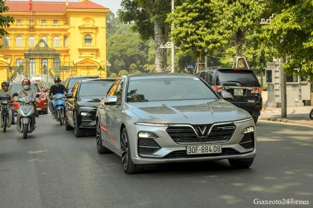 Covid 19 nhung Vinfast van but pha doanh so - Mặc kệ Covid, VinFast vẫn bứt tốc với hơn 5000 xe tới tay người Việt trong 3 tháng đầu 2020